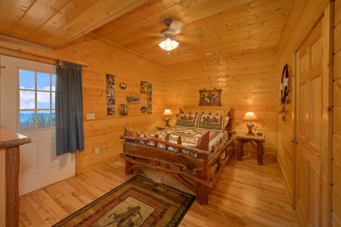 Premium Cabin with State of the Art Theater Room - Rocky Top Lodge