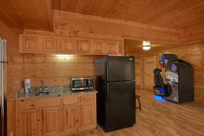 Rainbow Ridge 6 Bedroom Cabin near Downtown - Rocky Top Lodge