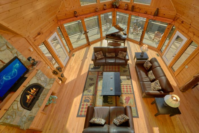 3 Level Luxurious 6 Bedroom Cabin with Views - Rocky Top Lodge