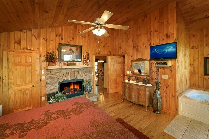 Luxury 1 Bedroom Cabin with King Suite - Romantic Evenings