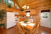 Pigeon Forge Cabin With Stocked Kitchen