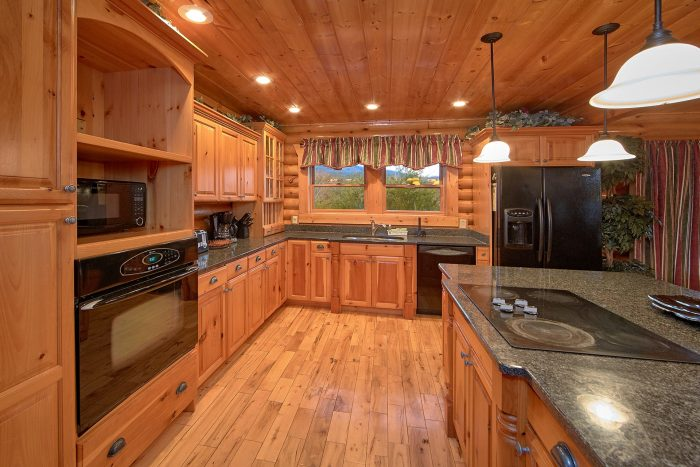 Premium 6 bedroom Cabin Sleeps 20 - Royal Vista