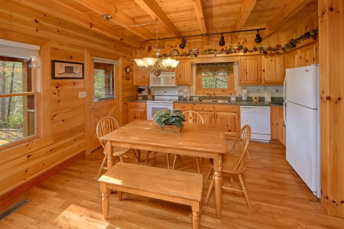 Premium Cabin with Dining Area - Sassy Lady