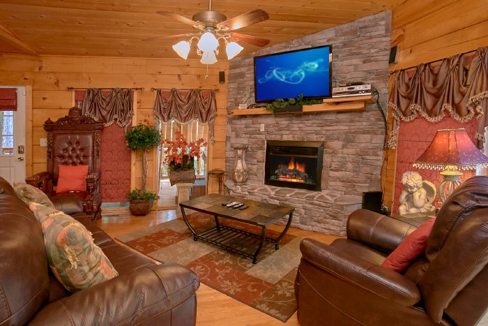 2 Bedroom cabin with Luxurious Living Area - Scenic Mountain Pool