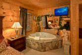 Cabin with Private Master Suite and Jacuzzi