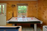 Cabin with Air Hockey Game and Pool