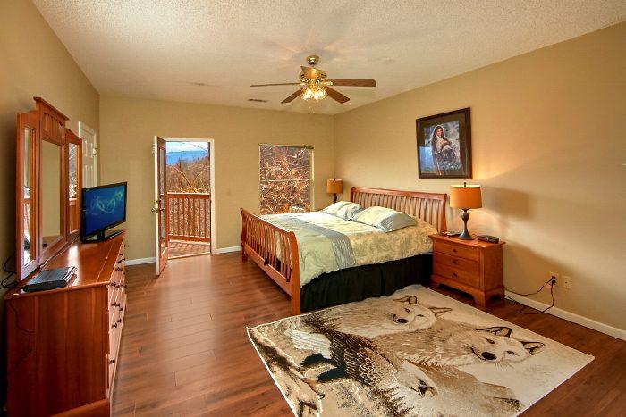 Premium Gatlinburg Cabin with 3 King Beds - Second Glance