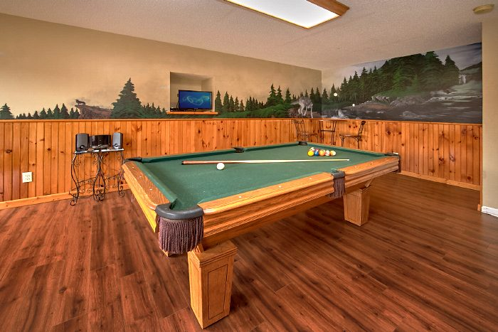 Gatlinburg Cabin with Pool Table and Game Room - Second Glance