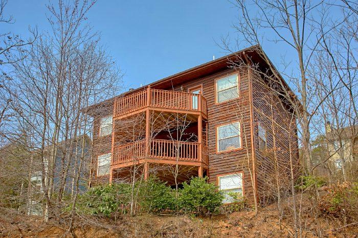 Spacious 3 Bedroom Gatlinburg Cabin with Views - Second Glance
