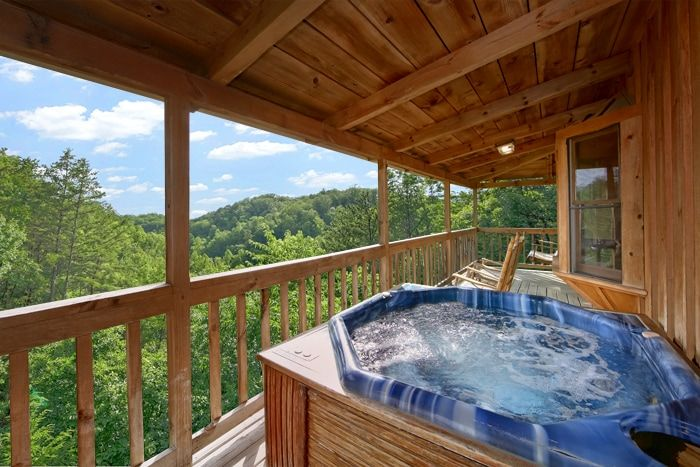 bed cabin honeymoon cabins king oakridge with vrbo do