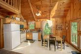 1 Bedroom Cabin with a Fully Equipped Kitchen