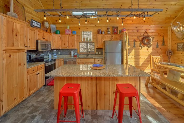 3 Bedroom Cabin Sleep 12 Large Space - Simply Incredible