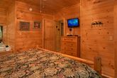 Cabin with 2 King Beds and Jacuzzi Tubs
