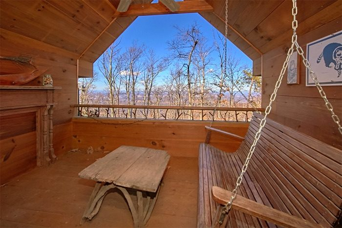 Private Cabin with Views of the Smoky Mountains - Sky High Hobby Cabin