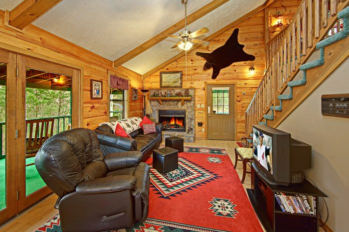 Cabin with Decorated Living Room - Sleepy Ridge