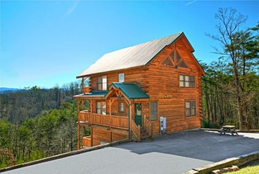 tn forge pigeon off cabin patriot american tennessee c select cabins rentals gatlinburg in on
