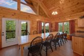 7 Bedroom Cabin with Spacious Dining Room for 14