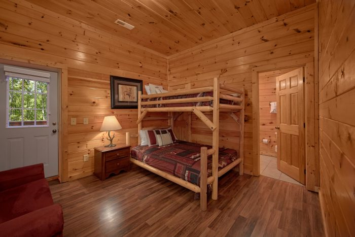 7 bedroom cabin with Bunk Beds and Bathroom - Smoky Mountain Lodge