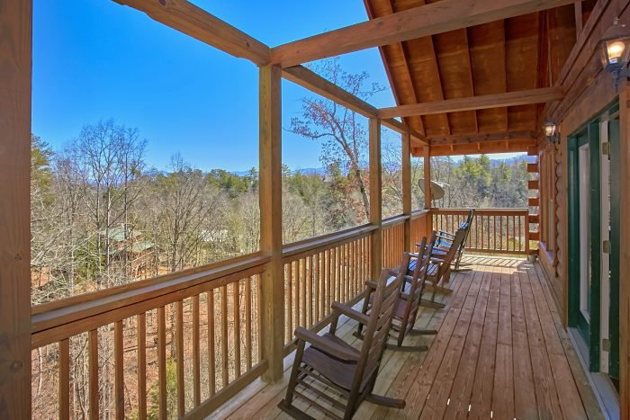 7 bedroom cabin with theater and pool in the smokies for Discount smoky mountain cabin rentals