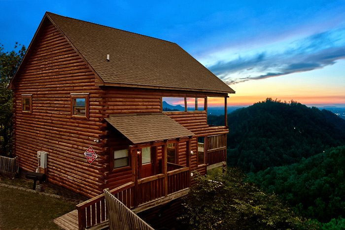 Near dollywood cabin smoky mountain melody near pigeon forge for Deals cabins gatlinburg tn