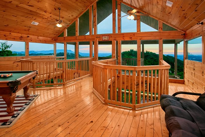 Cabin with game room and mountain views - Smoky Mountain Melody