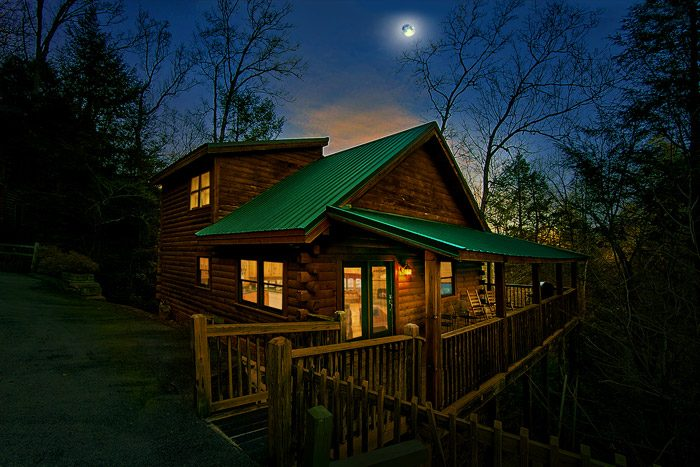 Southern Charm Cabin Rental Photo