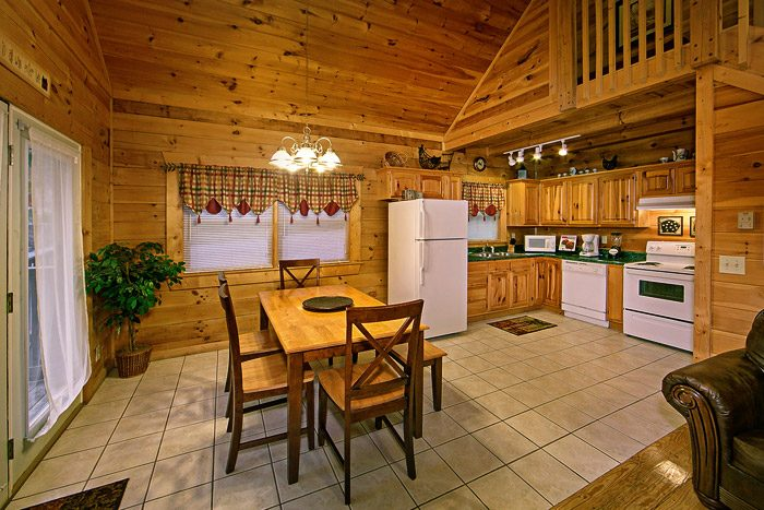 Cabin with Dinning Area - Southern Charm