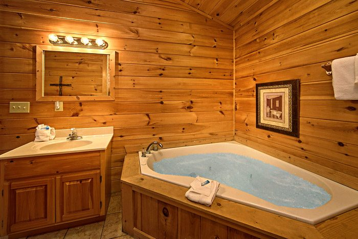 Bathroom with Jacuzzi - Southern Charm
