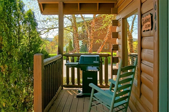 Resort Cabin with 2 Bedrooms, Gas grill and Deck - Southern Comfort
