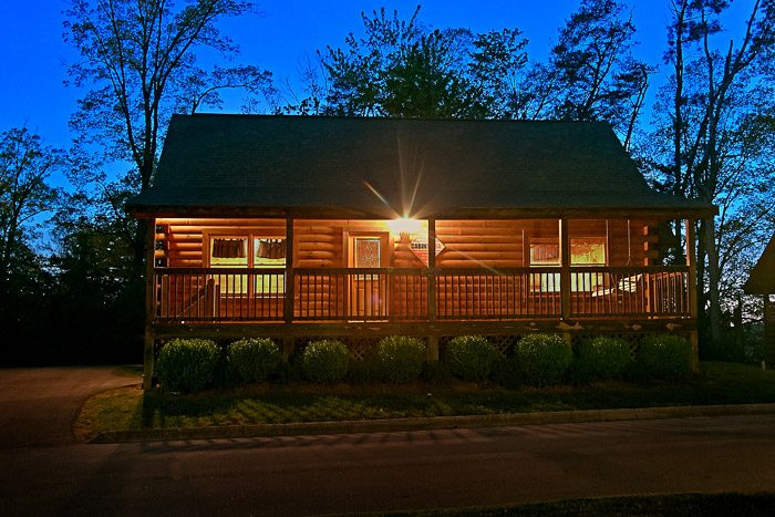 Southern Lights Cabin Rental Photo