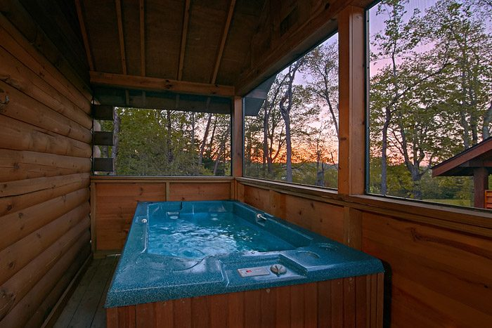 Cabin with Hot Tub - Southern Lights