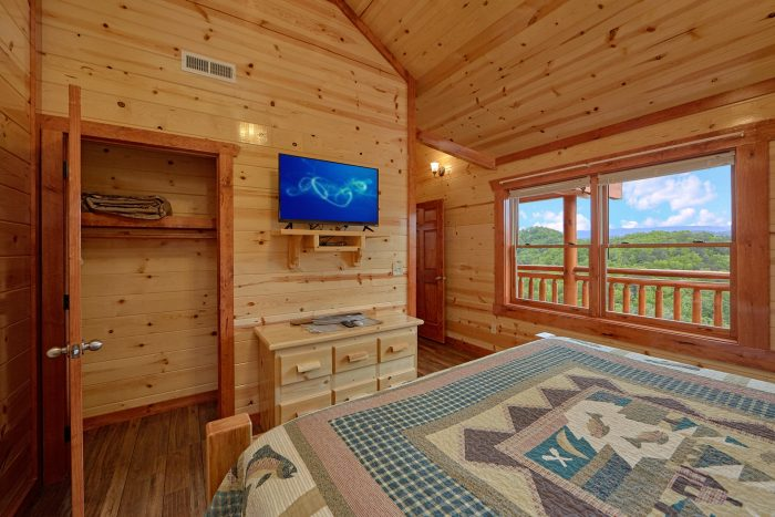 6 Bedroom Cabin with a Pool in Black Bear Ridge - Splashin' With A View