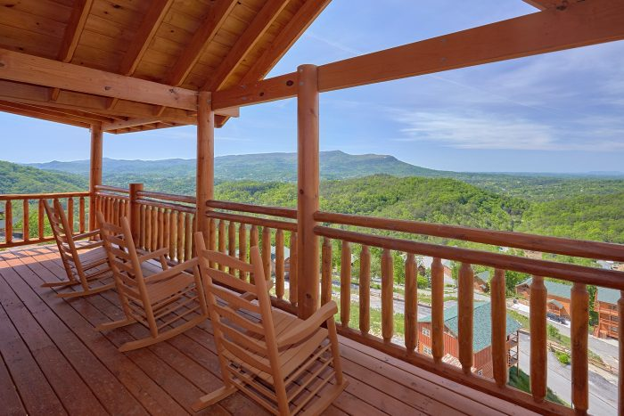 Cabin with Smoky Mountain Views - Splashin' With A View