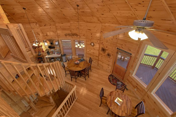 Premium 3 Bedroom Cabin with Large Dining Room - Star Gazer