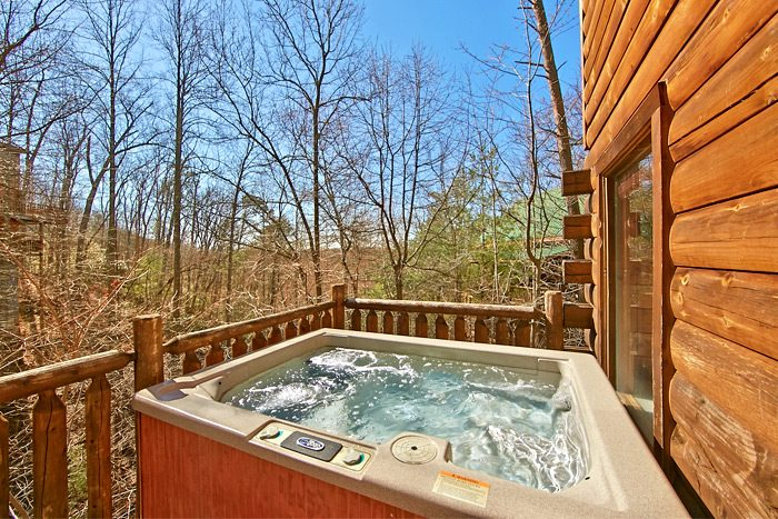 Cabin with Hot Tub and wooded view - Starry Night