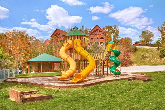 Cabin with playground and horseshoe pit - Sugar and Spice