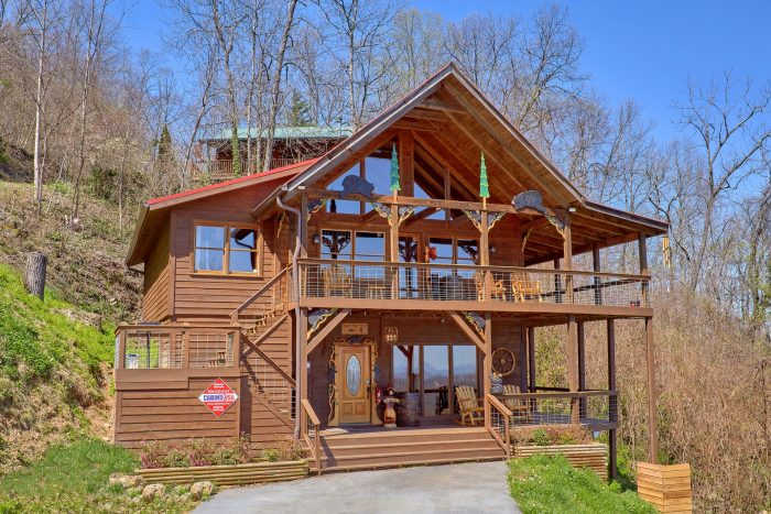 3 Bedroom 3 Story Cabin Sleeps 9 - Sugar Bear View