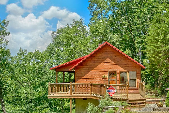 1 bedroom cabin near pigeon forge and gatlinburg smoky for Cabin rentals near smoky mountains