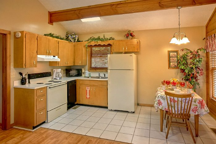 1 Bedroom Cabin with Fully Stocked Kitchen - Sugar Plum