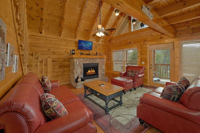 Cabin with Living Room with Views - Suite Retreat