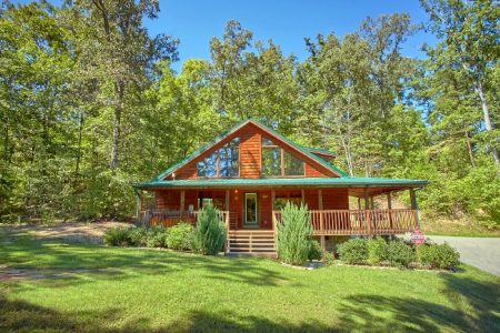 The Summit: 2 Bedroom Sevierville Cabin Rental