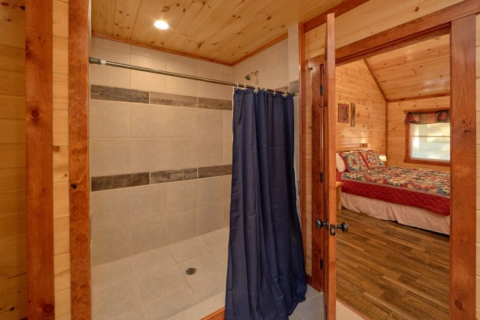 6 Bedroom Cabin with 6 Walk-In Showers - Swimmin' In The Smokies