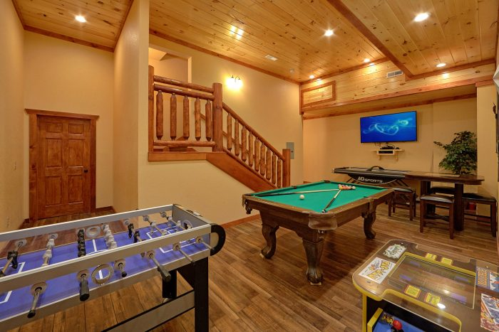 6 Bedroom Pool Cabin with a Game Room - Swimmin' In The Smokies