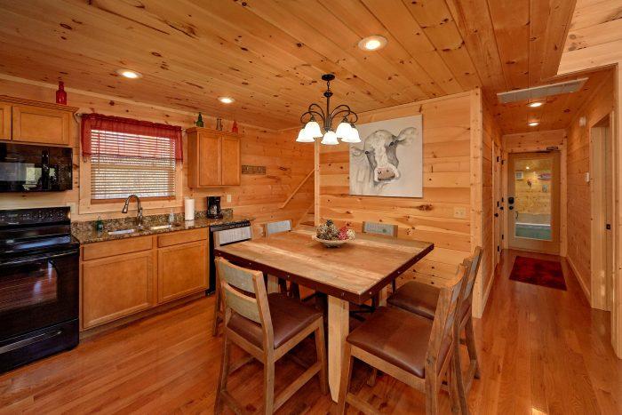 Open Loft Game Room 2 Bedroom Cabin - Swimming Hole