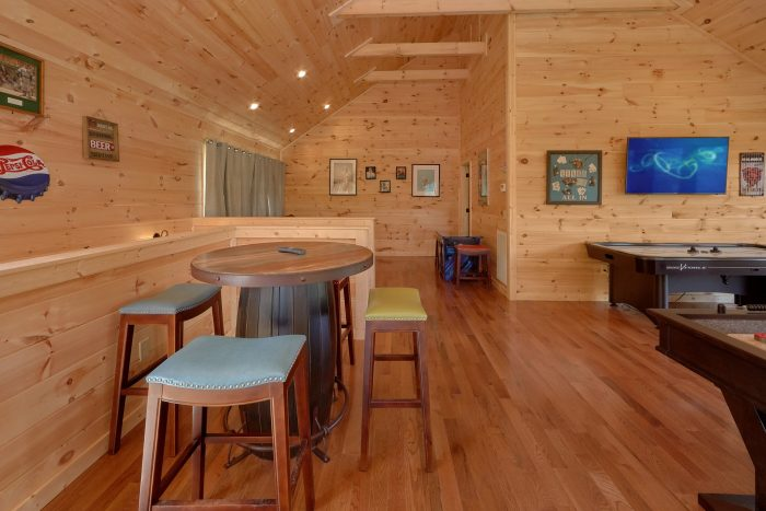Game Room WIth Pool Table and Views - Swimming Hole
