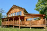 Spacious 2 Bedroom Cabin with Indoor Pool