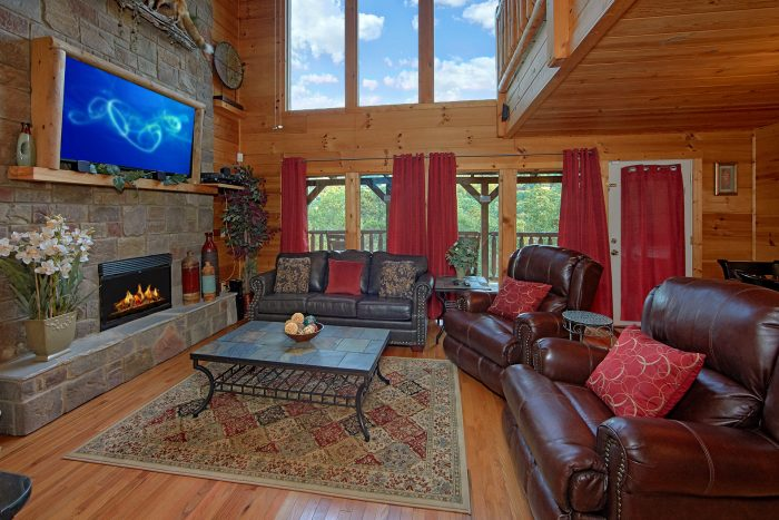 Luxury Cabin with Dining Room and Full Kitchen - Swimming Hole
