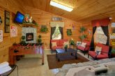 2 Bedroom Cabin with Pool and Sitting Area