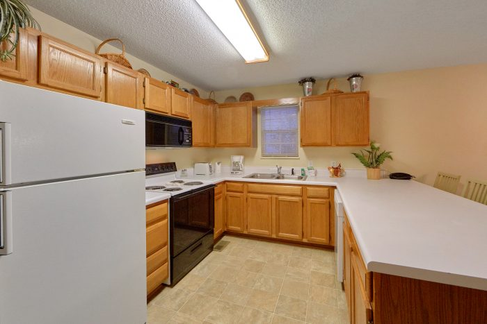 Full Kitchen in 2 Bedroom Vacation Rental - The Bunkhouse