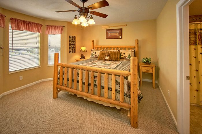 Vacation home rental with king bed - The Chocolate Moose